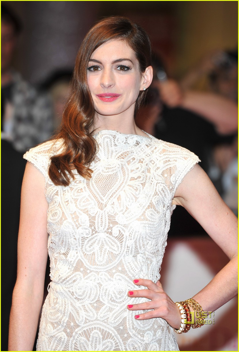 anne hathaway jim sturgess one day london premiere 082572671