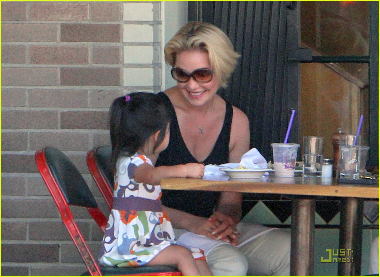 katherine heigl naleigh little doms 02