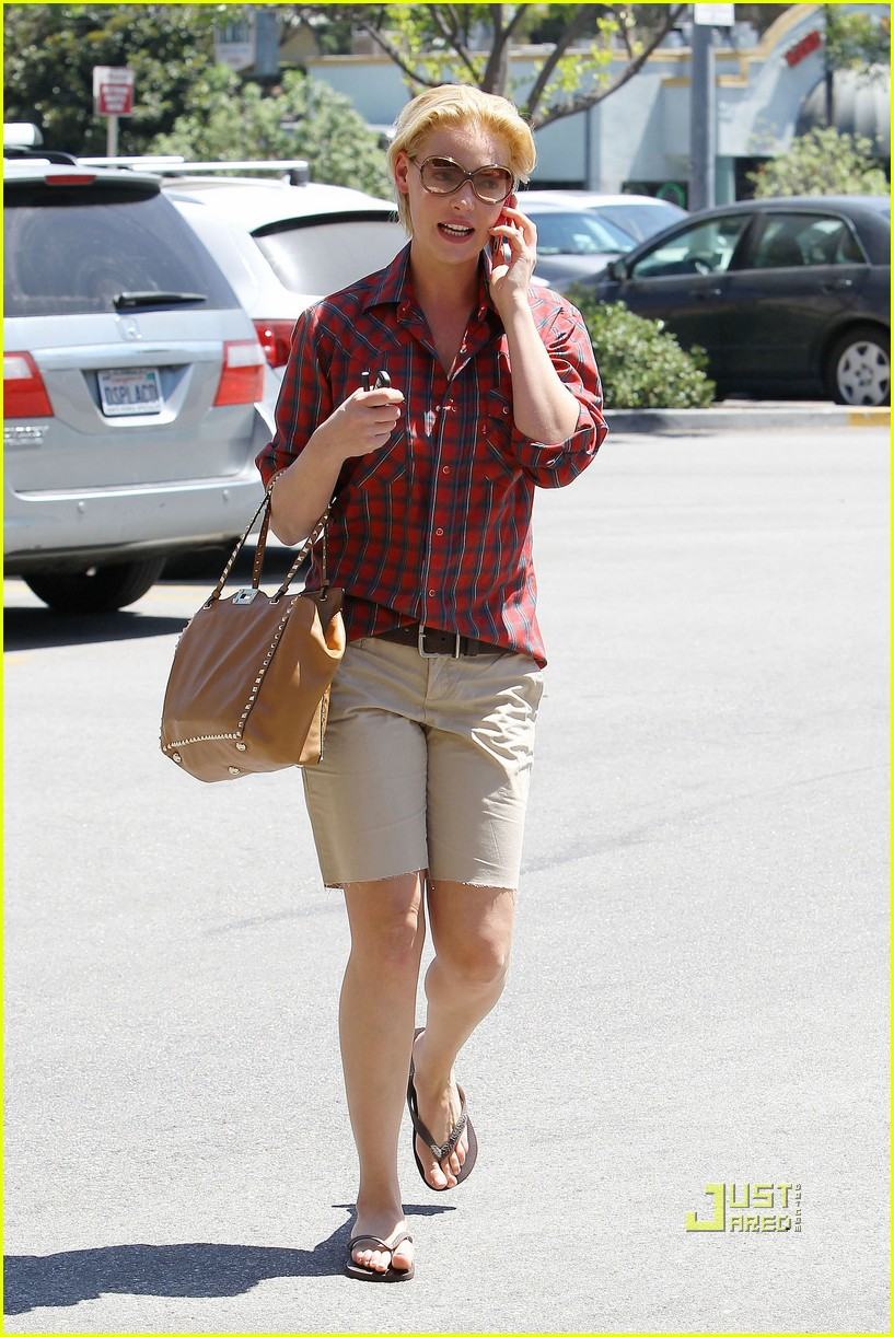 katherine heigl mani pedi plaid shirt 082573363