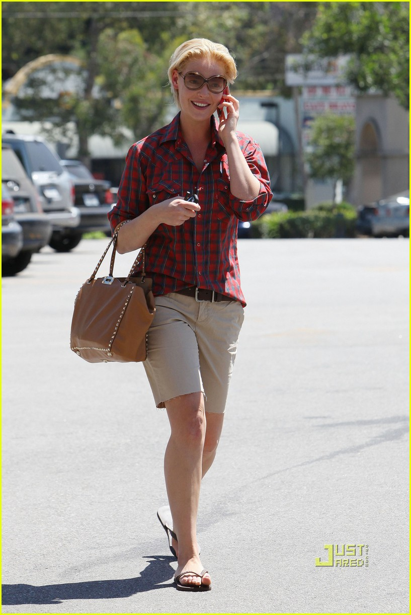 katherine heigl mani pedi plaid shirt 102573365