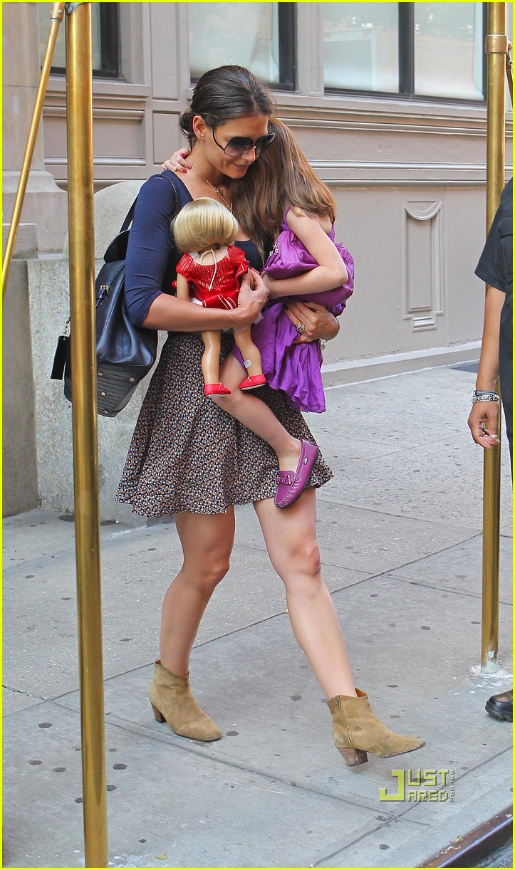 katie holmes suri cruise doll apartment 032570936