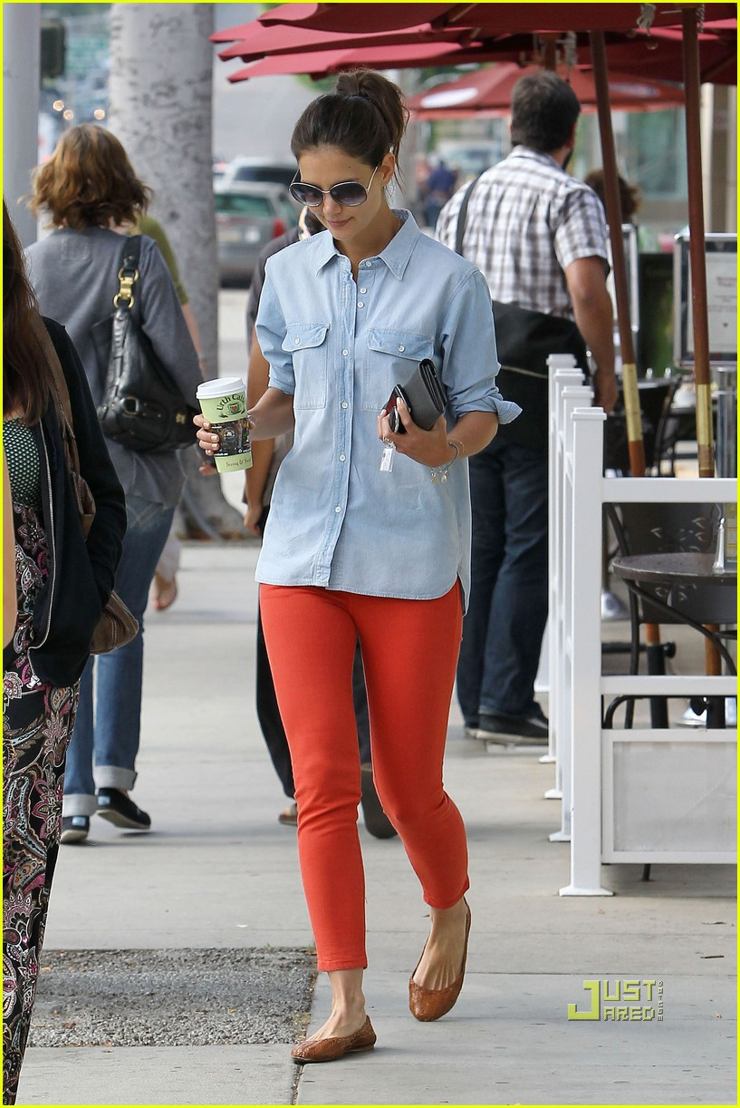 katie holmes orange pants 07