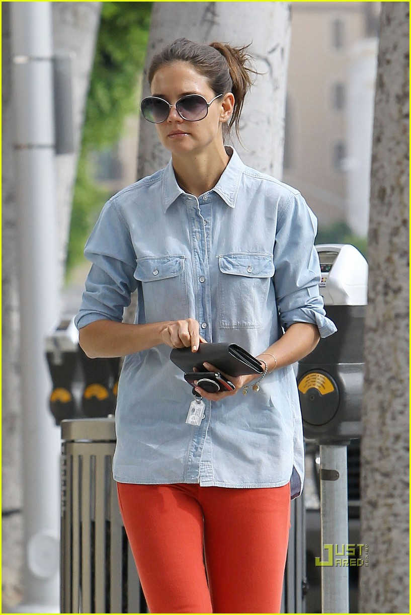 katie holmes orange pants 17