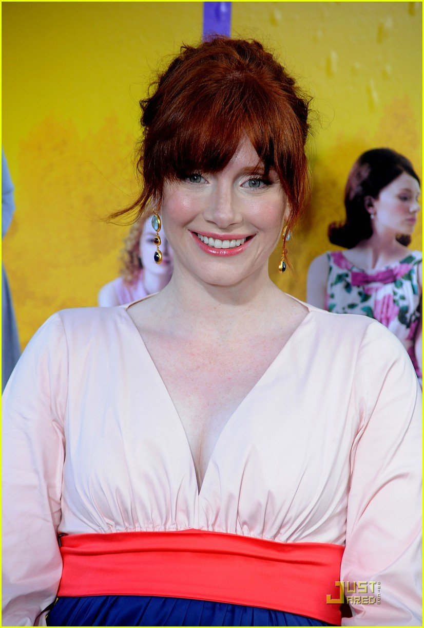 bryce dallas howard jessica chastain help premiere 12