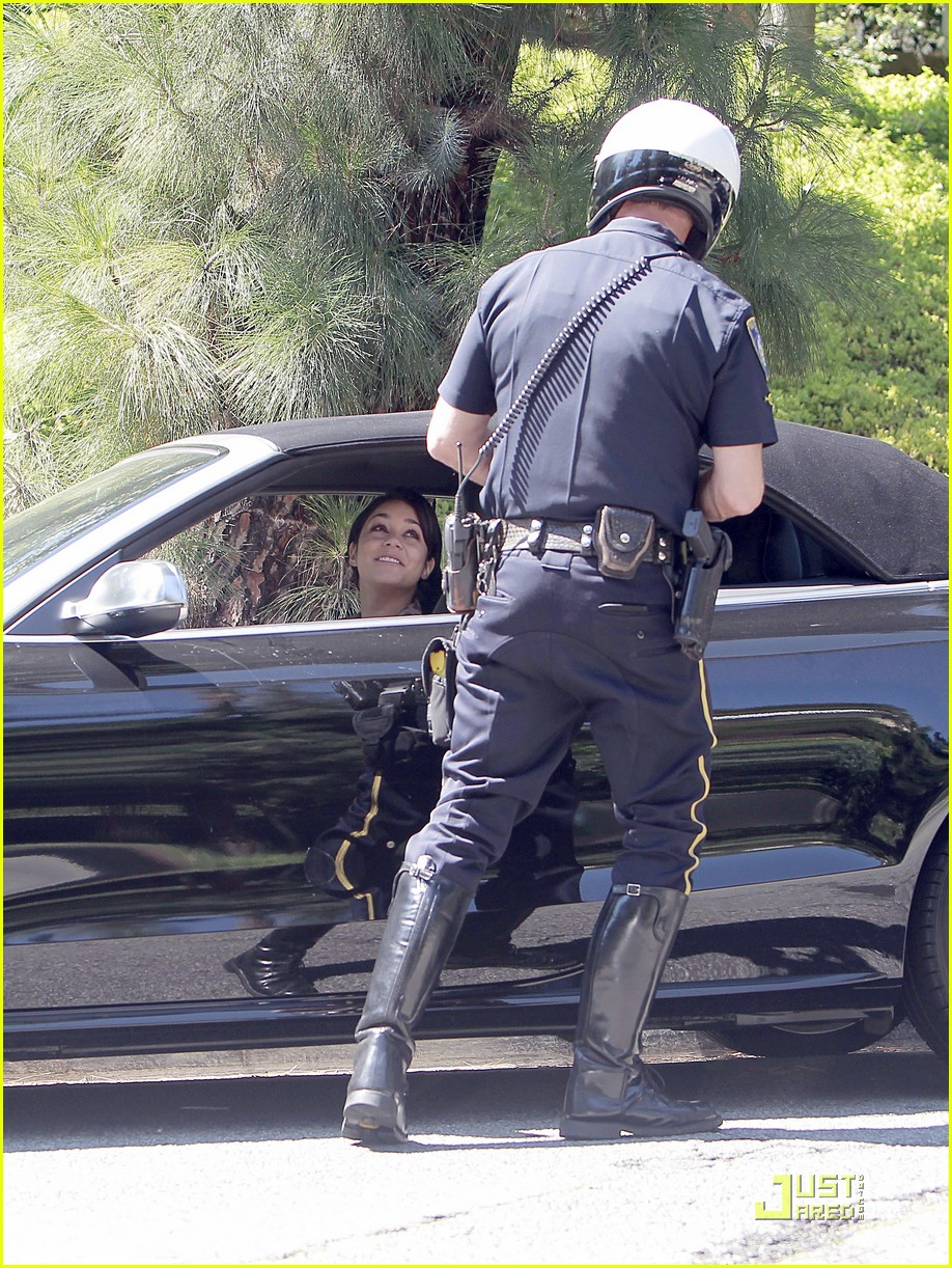 vanessa hudgens pulled over by cops 042573233
