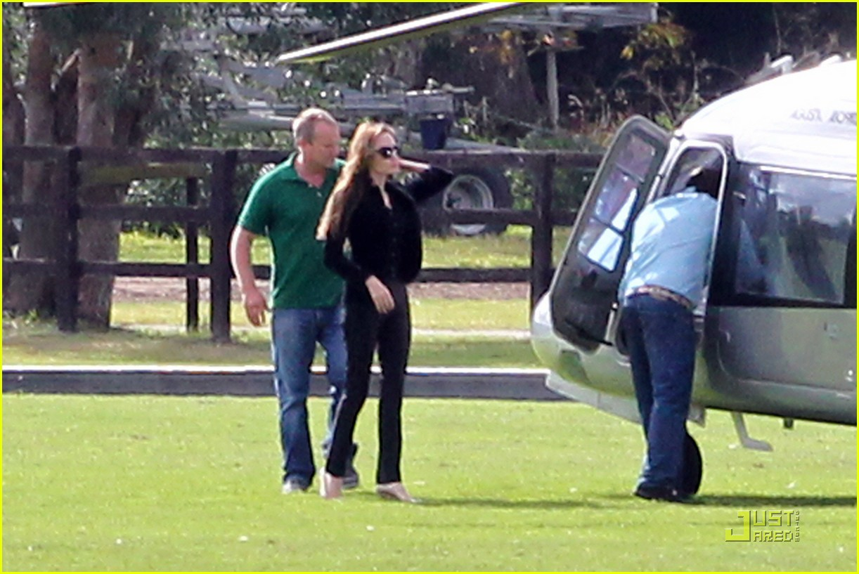 angelina jolie helicopter richmond 042569110