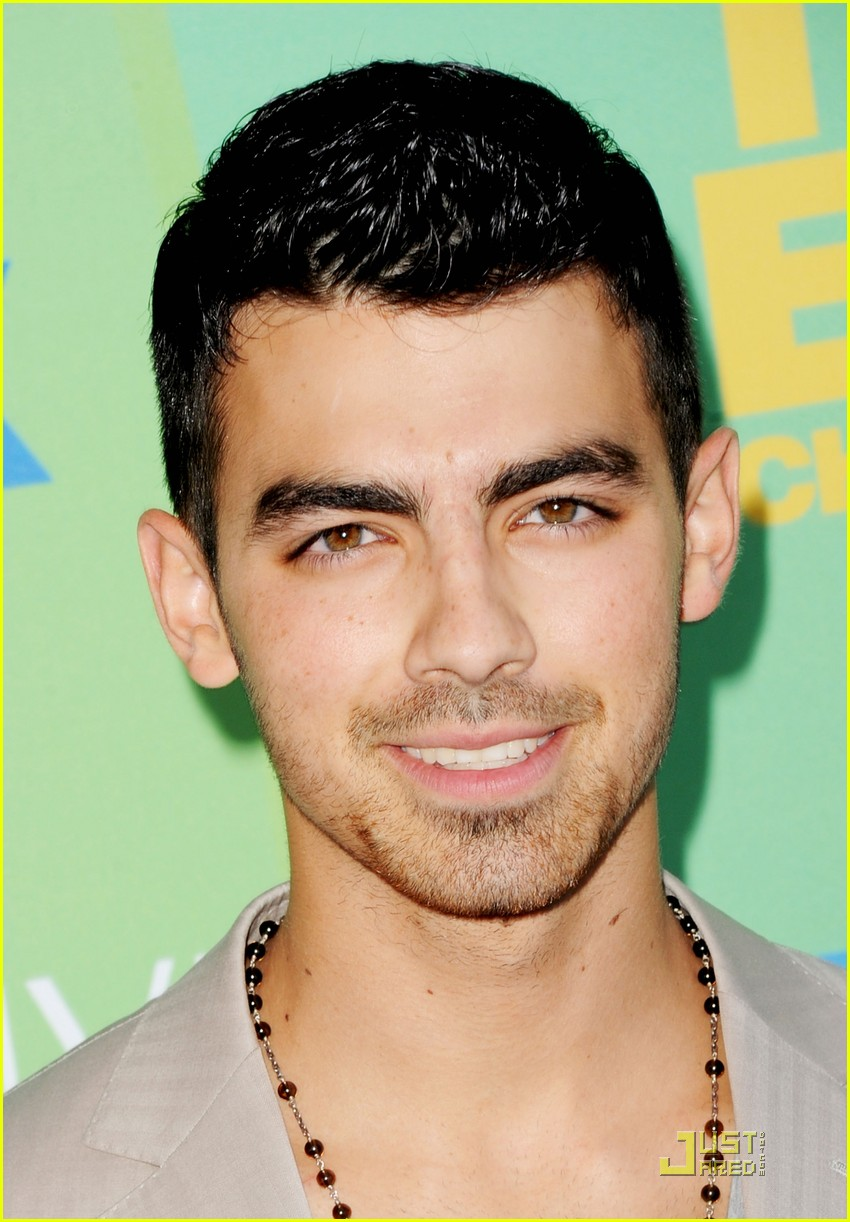 joe jonas tcas 2011 01