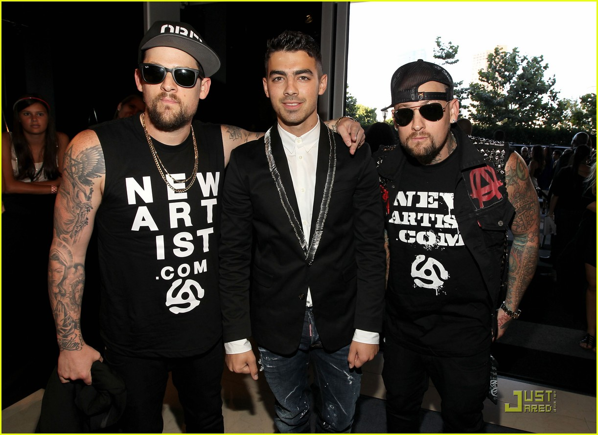joe jonas mtv vmas madden brothers 012574449