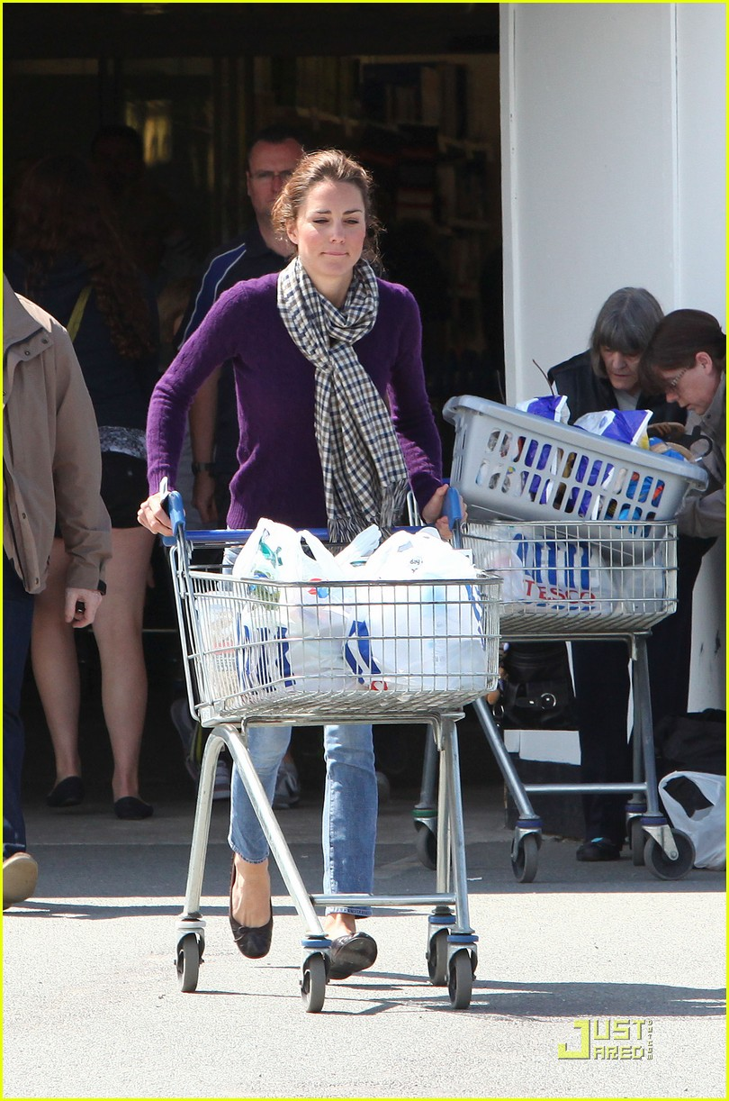kate grocery shopping sans prince william 032566309