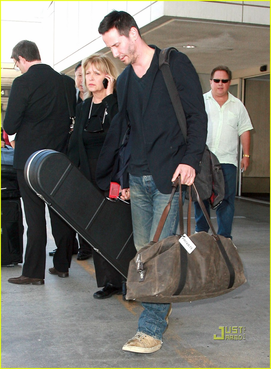 keanu reeves lax 032570756