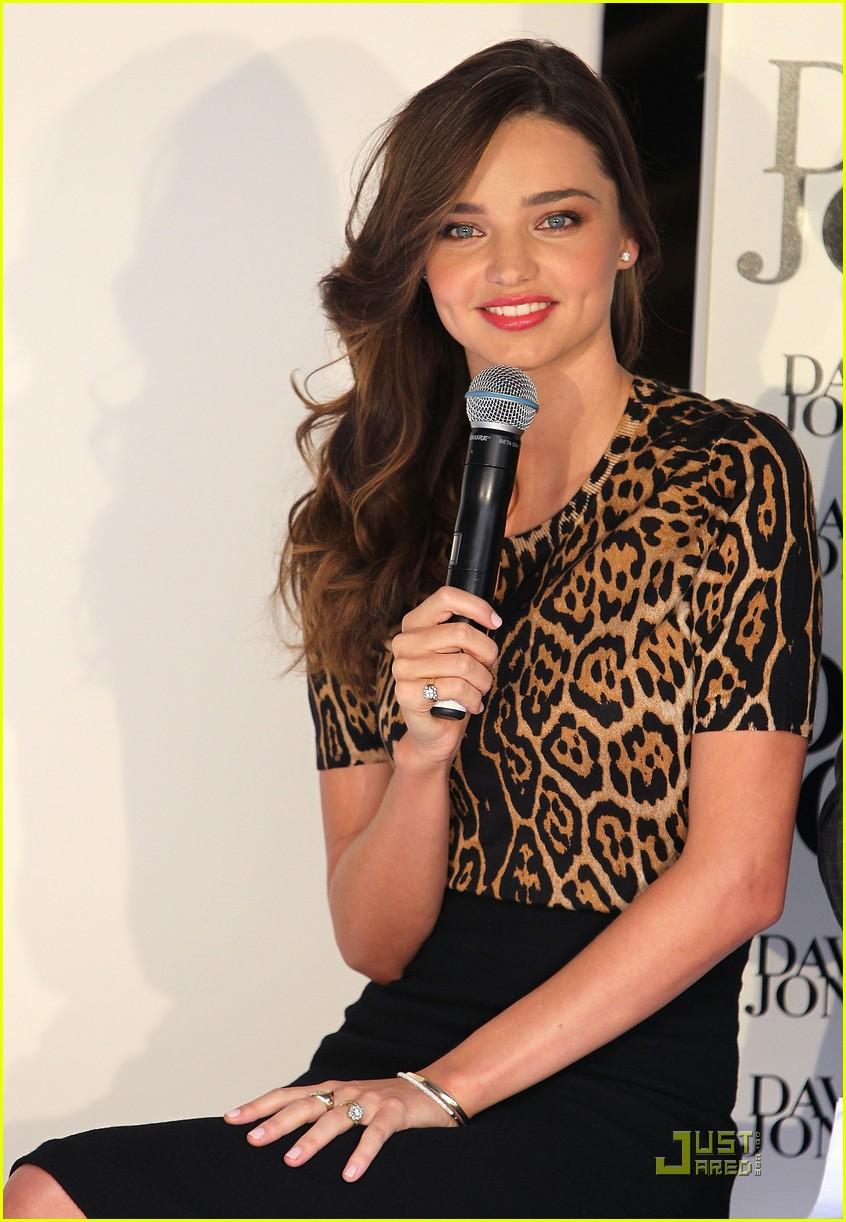 Miranda Kerr David Jones Fashion Preview Photo 2568733