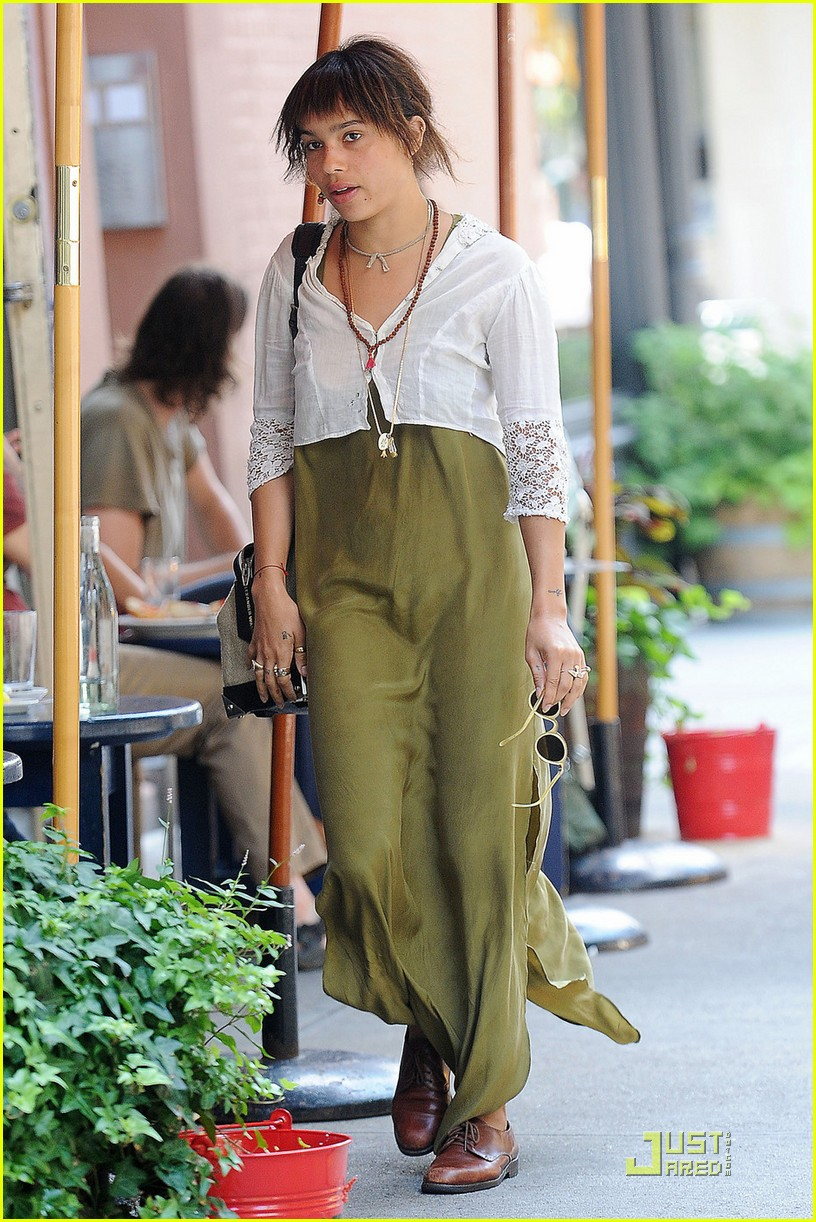 zoe kravitz lunch date with ricky ullman 052569405