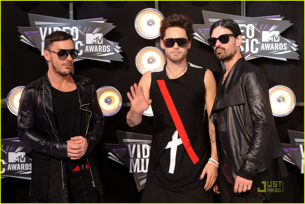 jared leto mtv vmas 2011 with 30 seconds to mars 08