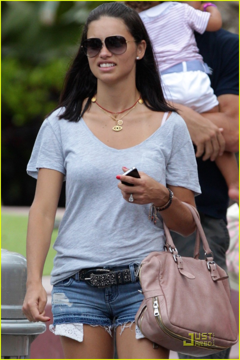 adriana lima family fun in miami 092566927