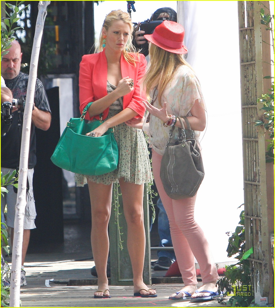 Blake Lively & Kaylee DeFer: Gossip Girls! Blake Lively