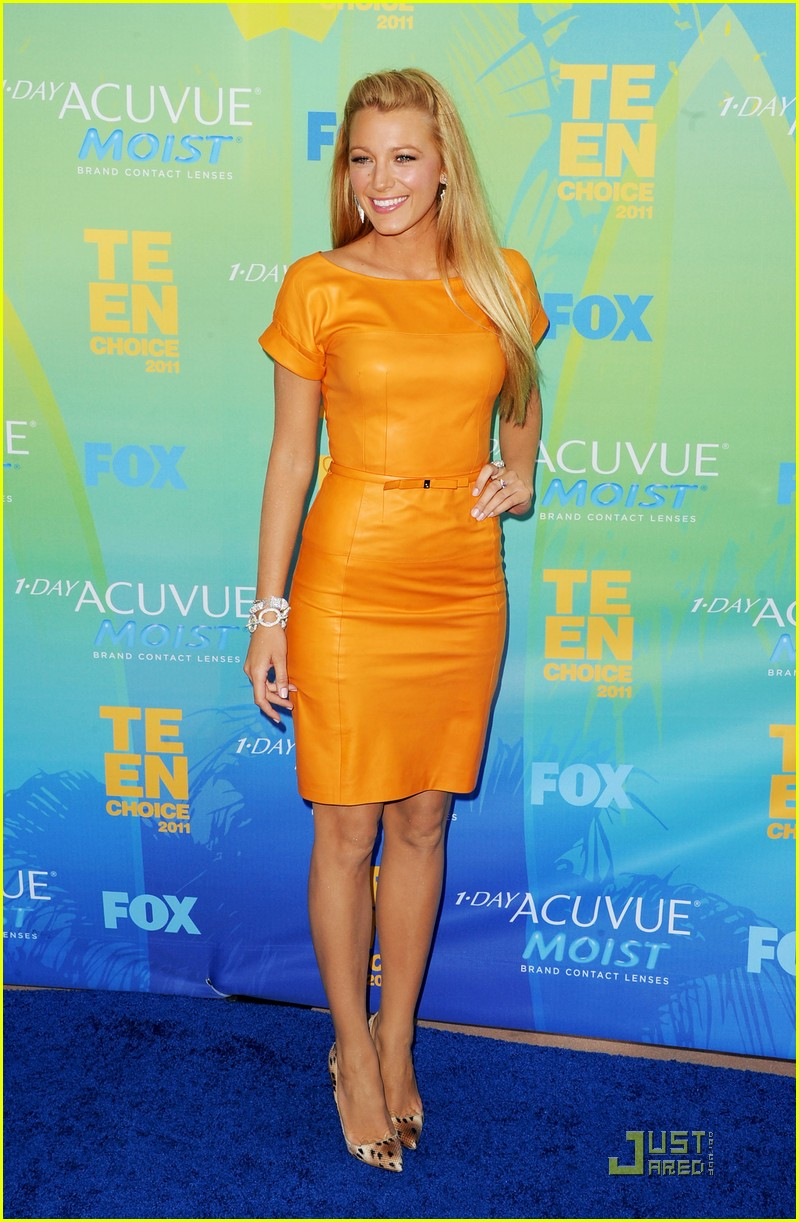 blake lively tcas 2011 01