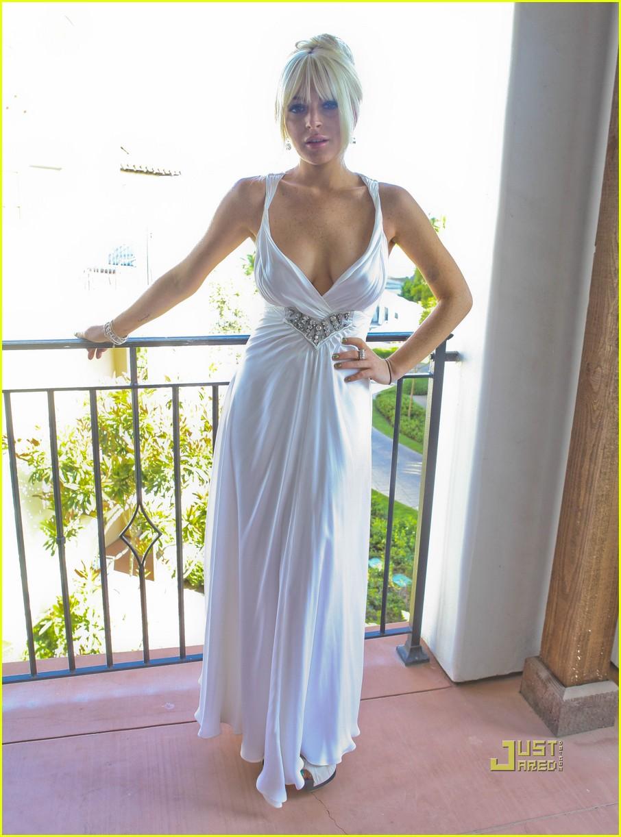 lindsay lohan dina kim kardashian wedding 032572020