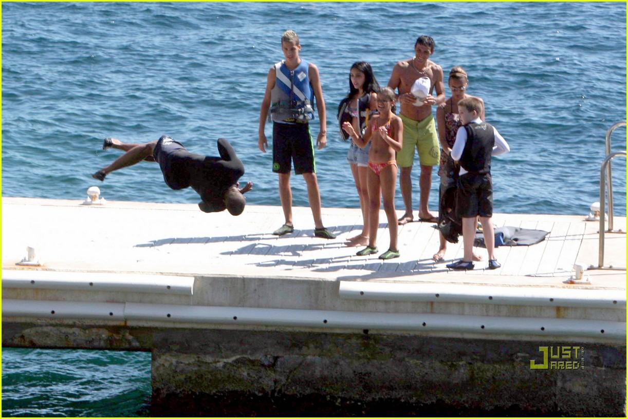 lourdes leon bikini jetski 03