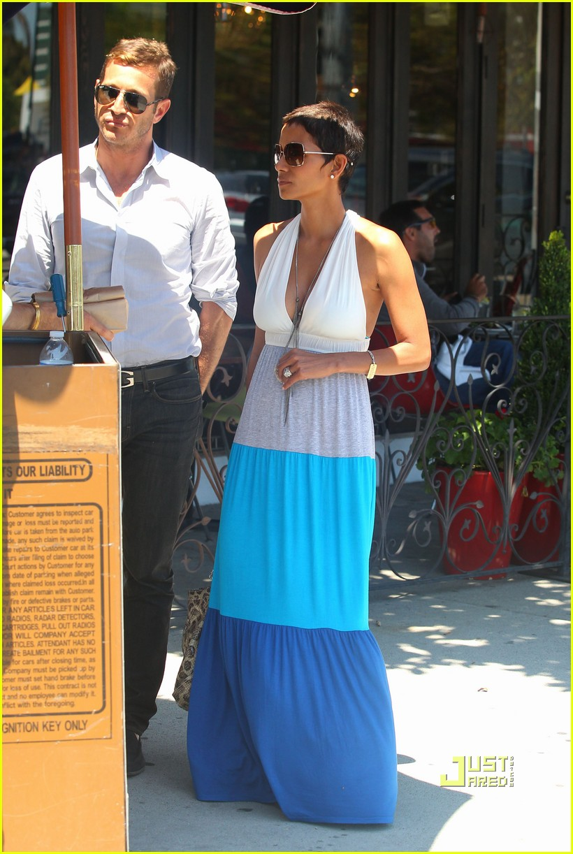 halle berry olivier martinez lunch date friends 032566027