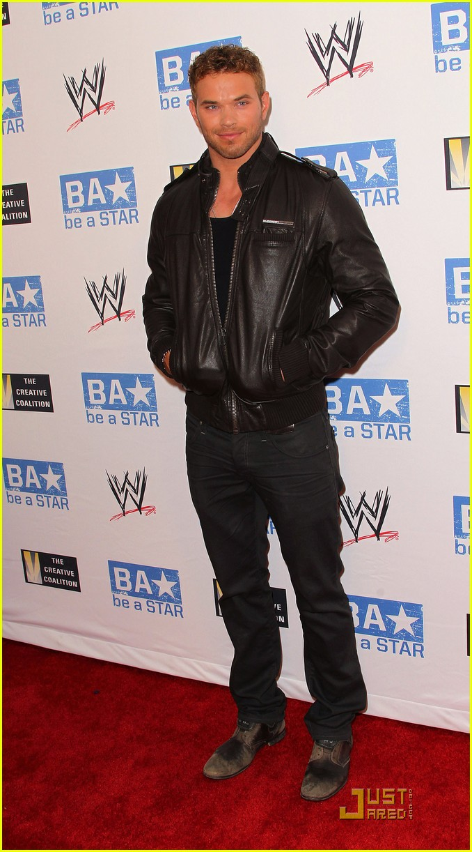 kellan lutz wwe summer slam kickoff party 02