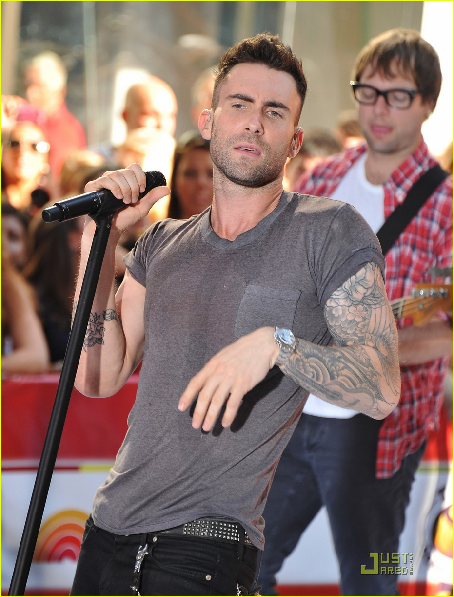 ff57135850 Maroon 5   Moves Like Jagger  on The Today Show!  Photo 2567529 ...