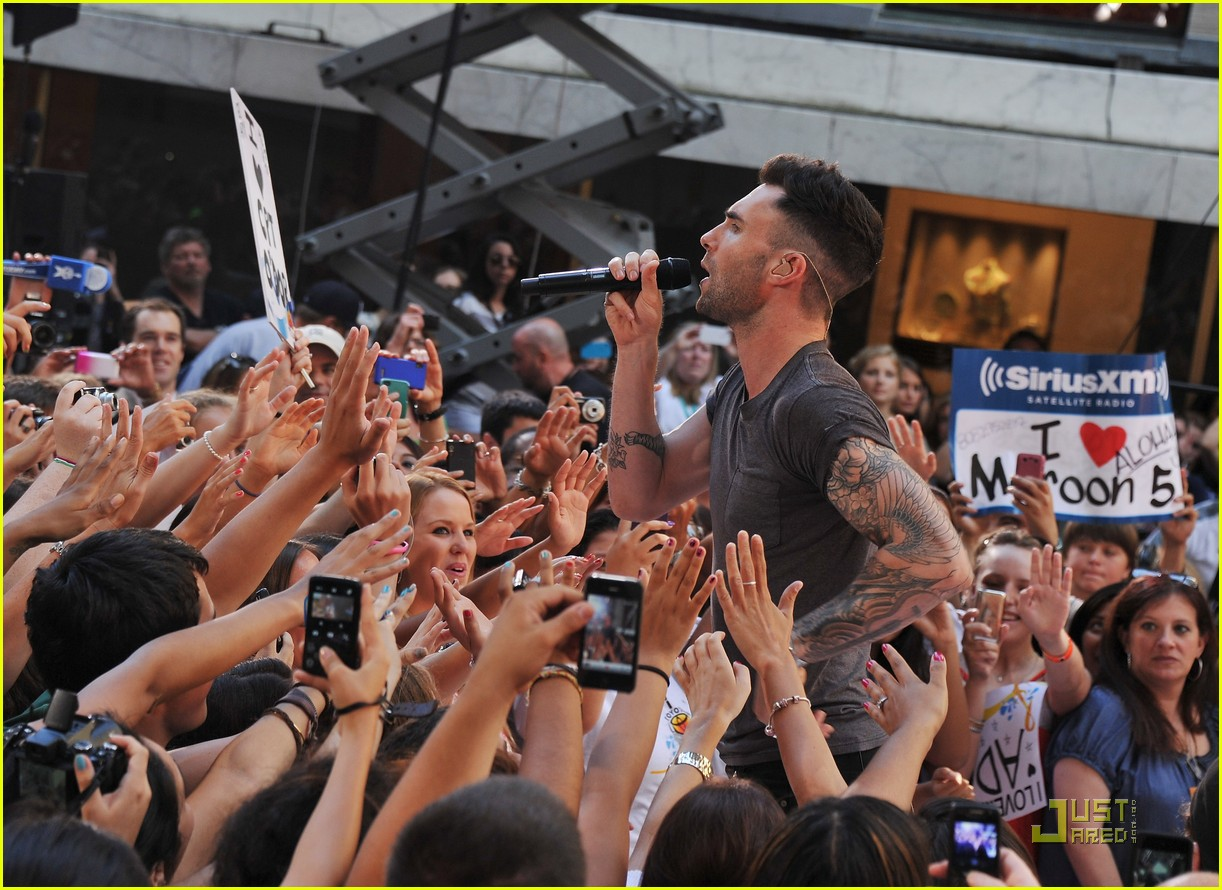 656980cd6b Maroon 5   Moves Like Jagger  on The Today Show!  Photo 2567532 ...