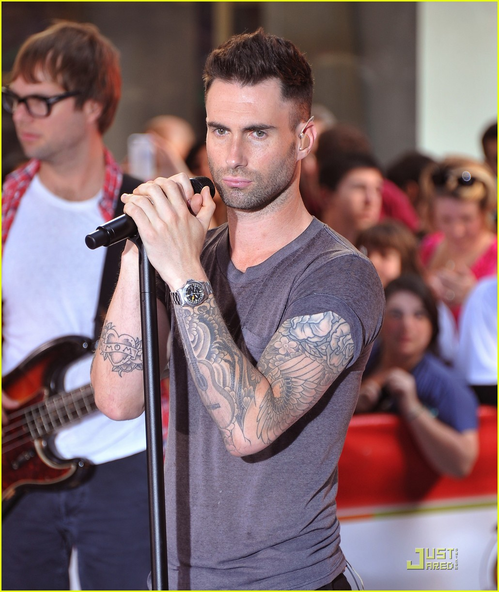 maroon 5 moves like jagger on the today show 092567533