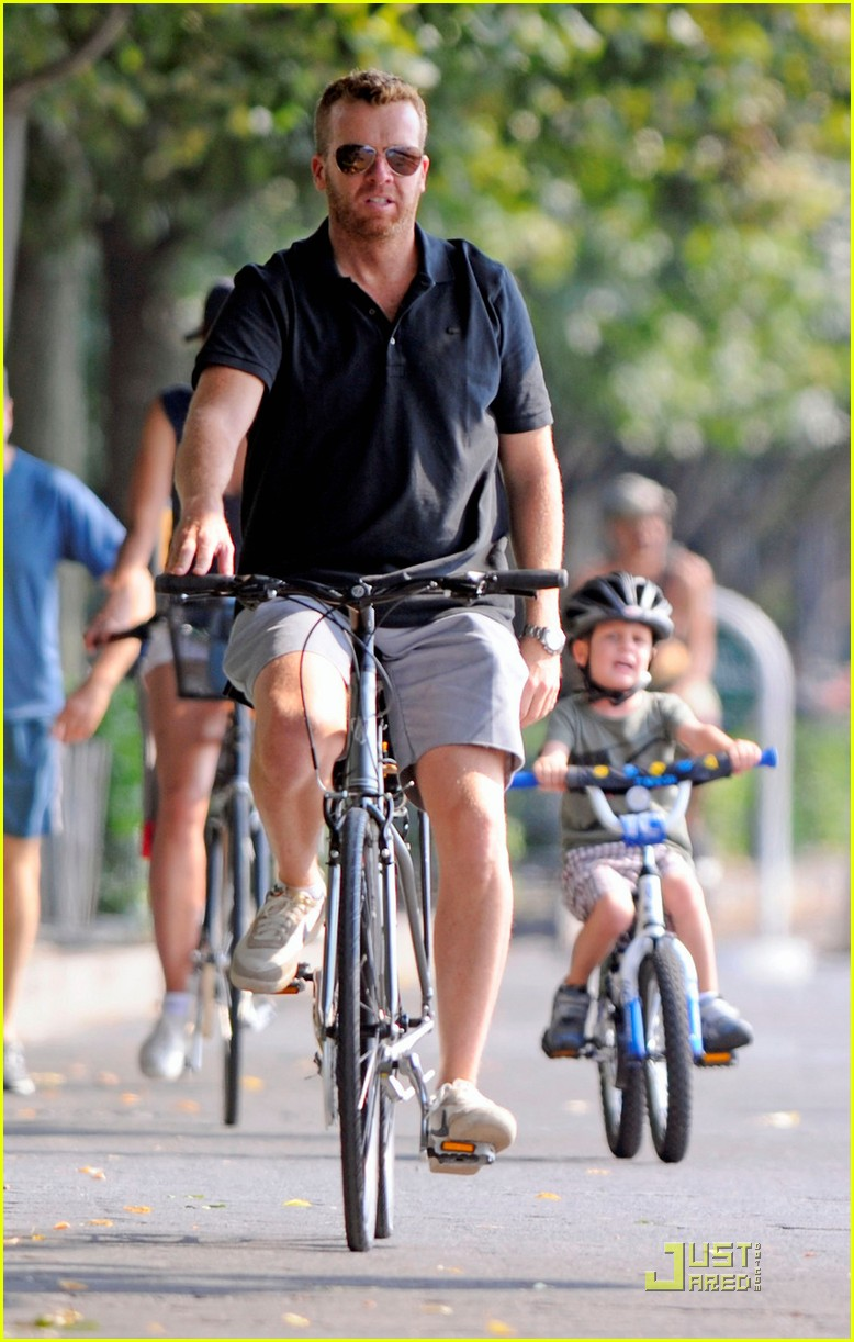 bridget moynahan bike riding with mcg and john 022572213