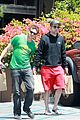 robert pattinson grocery shopping friend 01