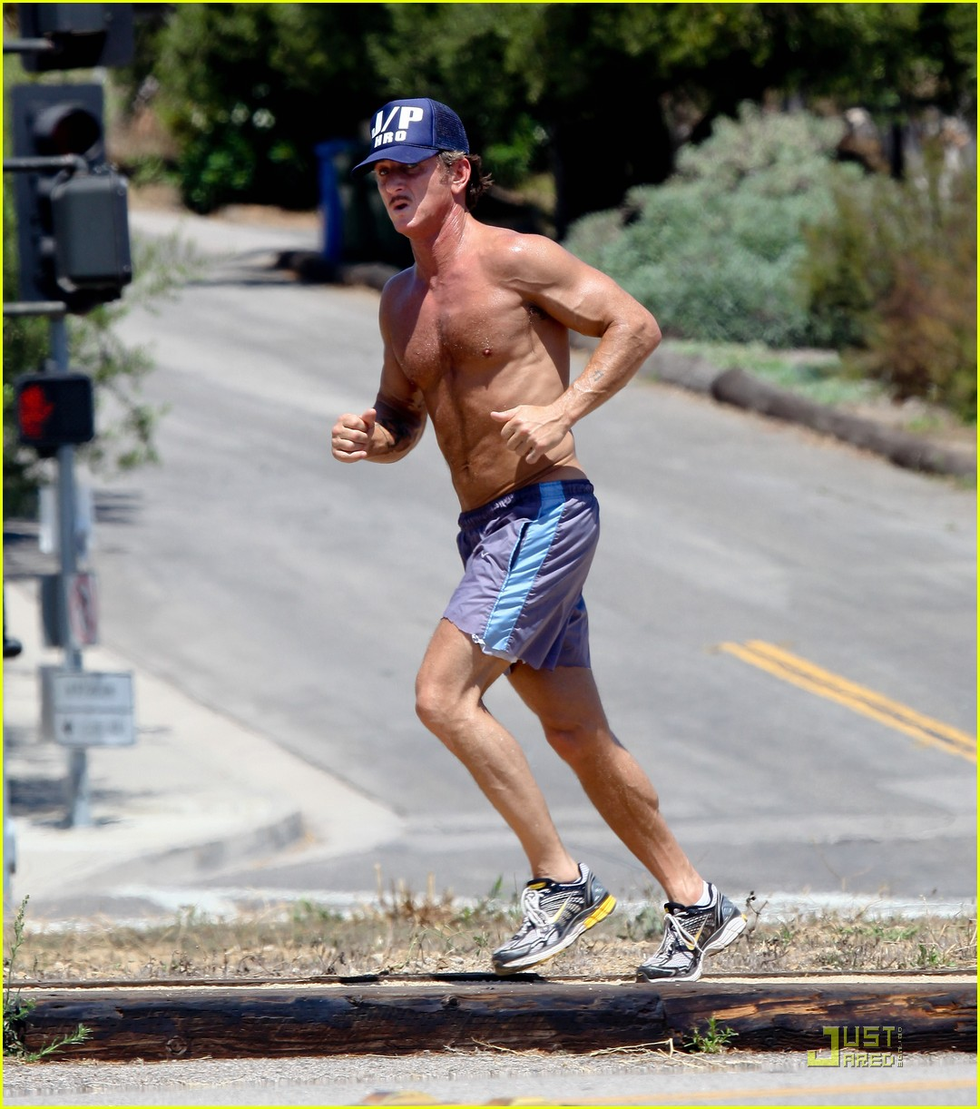 sean penn shirtless jogging with shannon costello 032574280