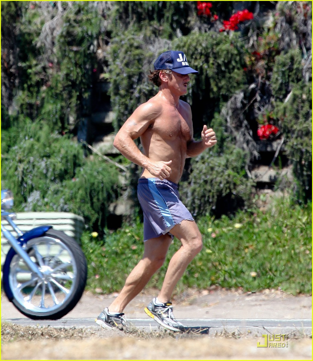 sean penn shirtless jogging with shannon costello 16