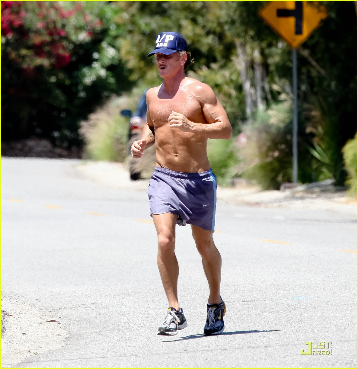 sean penn shirtless jogging with shannon costello 302574307