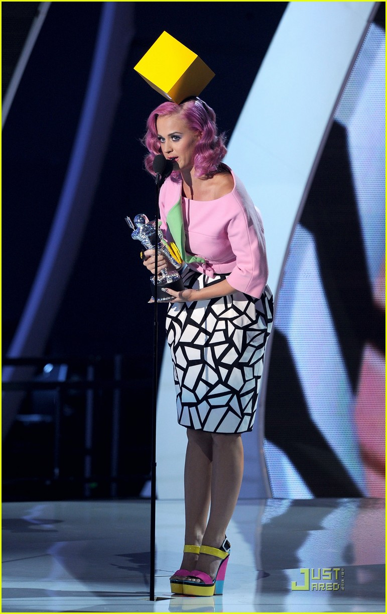 katy perry four costume changes at the mtv vmas 022574487