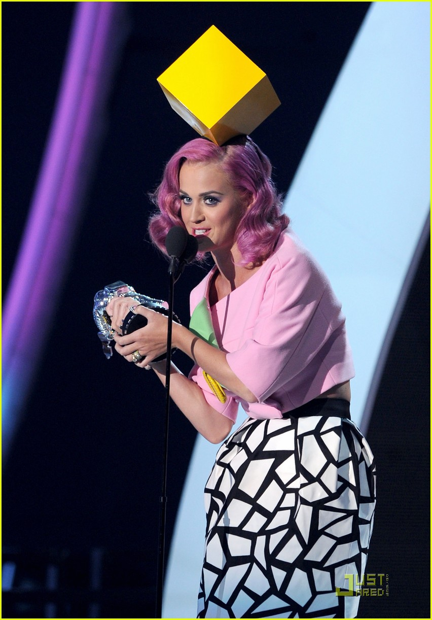 katy perry four costume changes at the mtv vmas 032574488