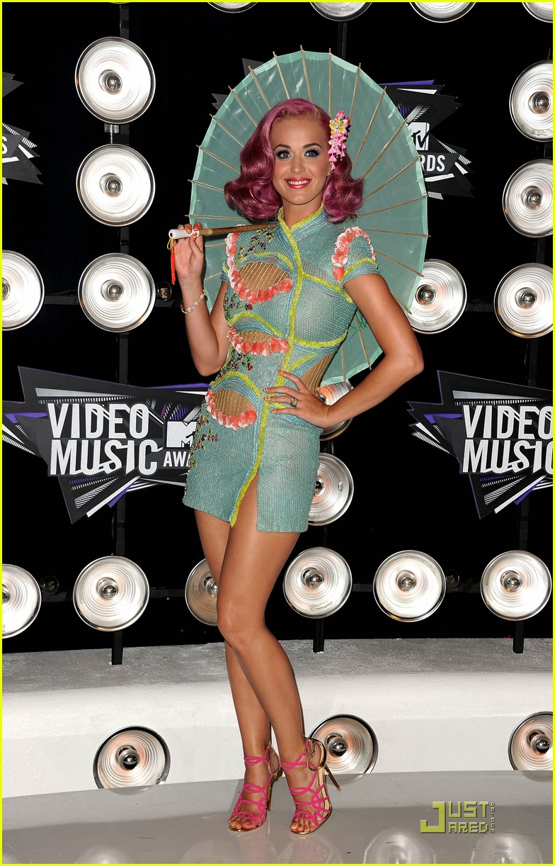 katy perry four costume changes at the mtv vmas 052574490
