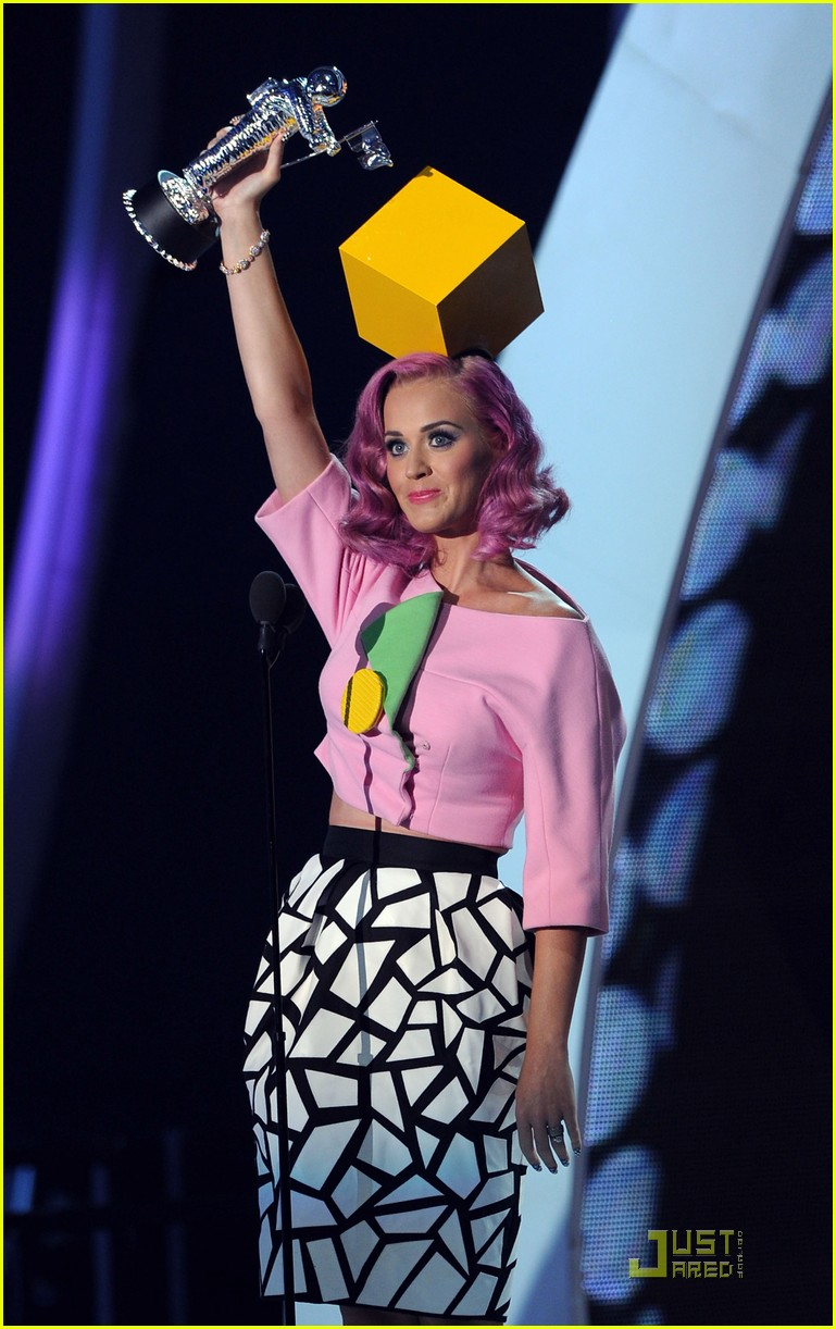 katy perry four costume changes at the mtv vmas 082574493