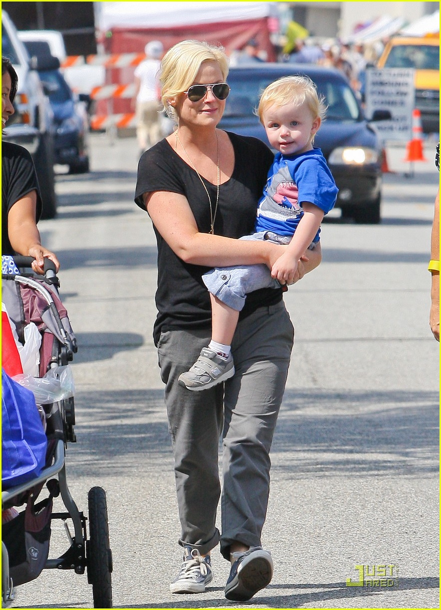 amy poehler funny faces son 162572314