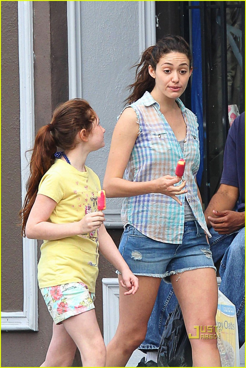 emmy rossum popsicle shameless 02