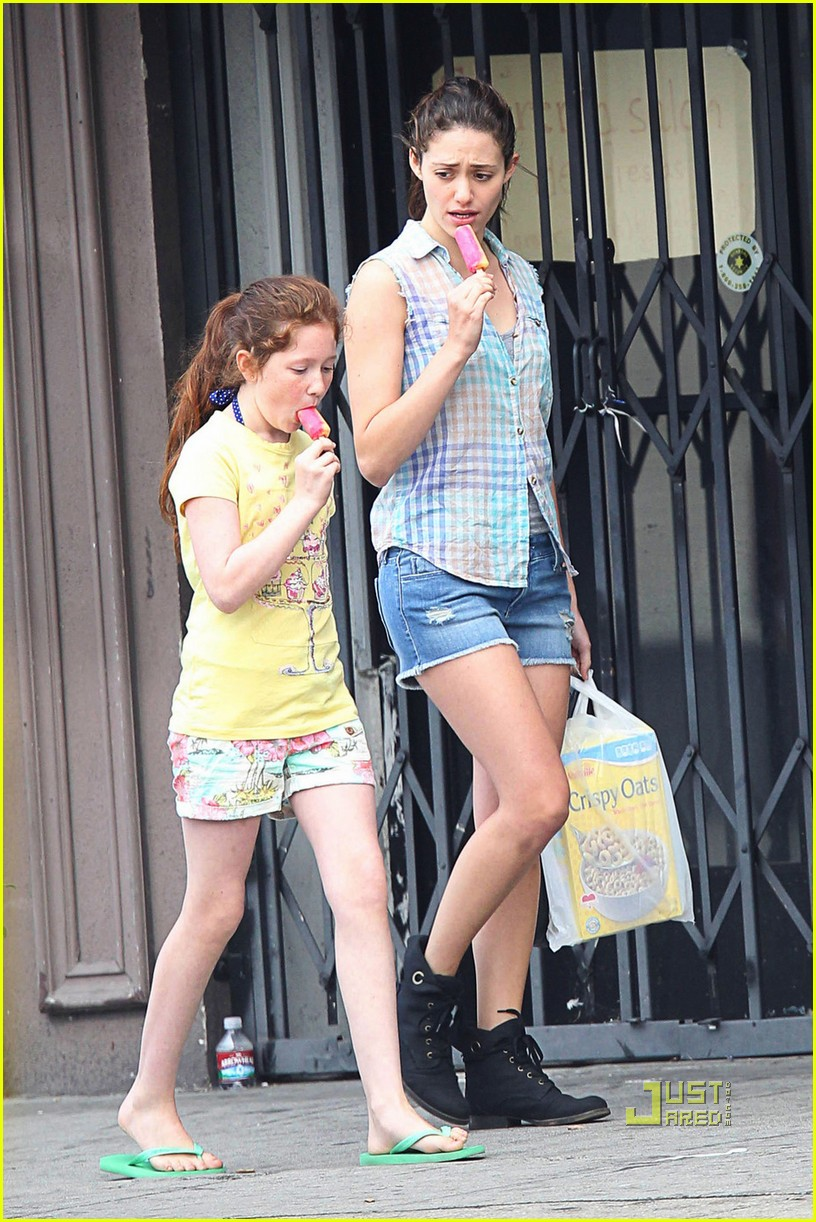 emmy rossum popsicle shameless 04