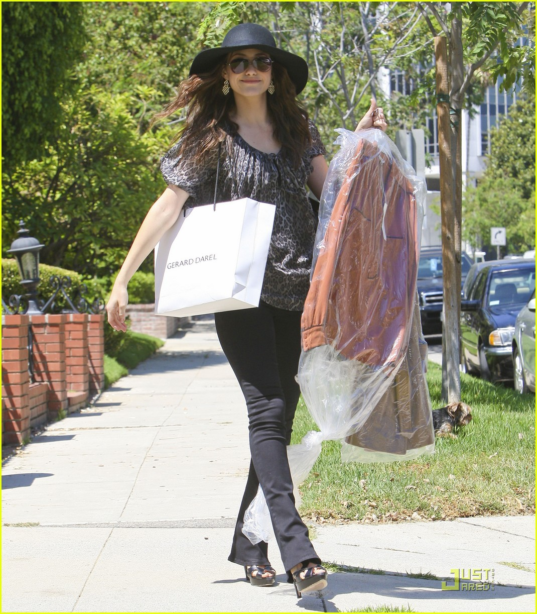 emmy rossum all smiles 042571127