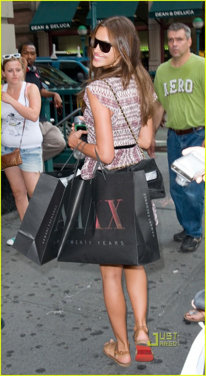 irina shayk working out shopping 082568609