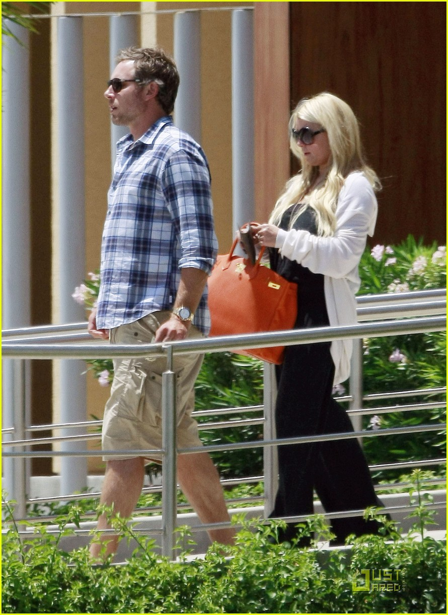 jessica simpson eric johnson jet la 062573302