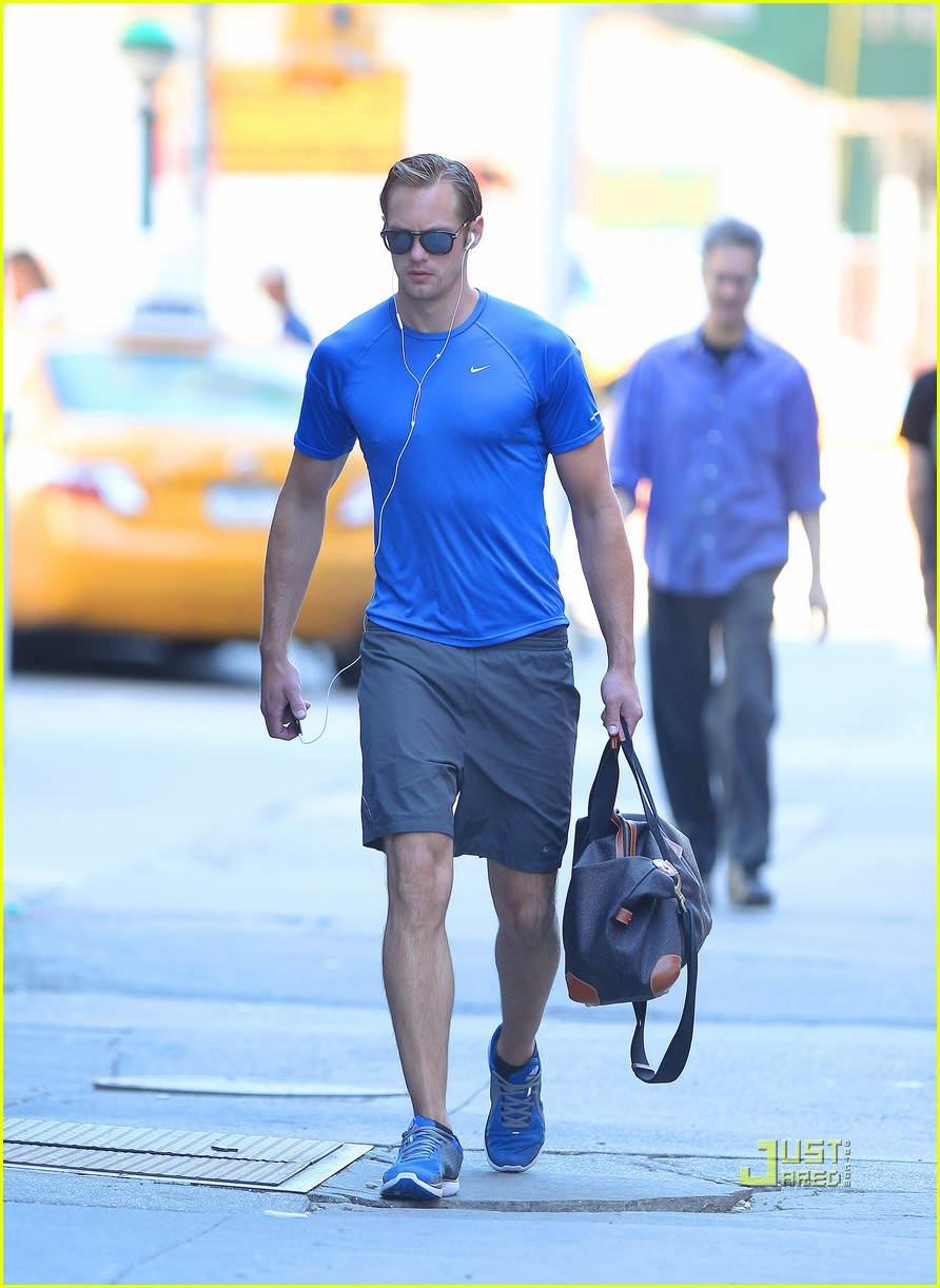 alexander skarsgard gym blue shirt 012572623