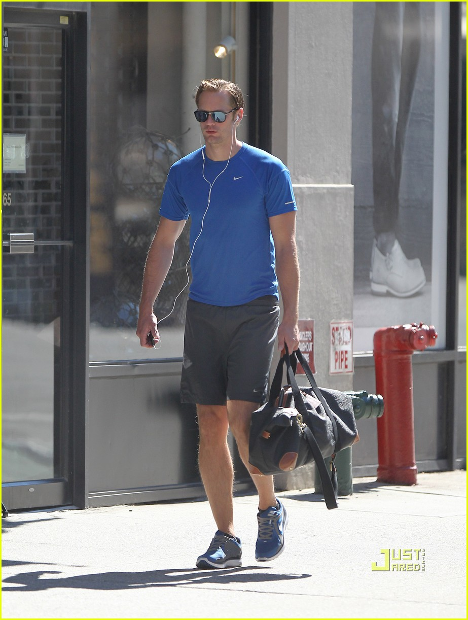 alexander skarsgard gym blue shirt 022572624