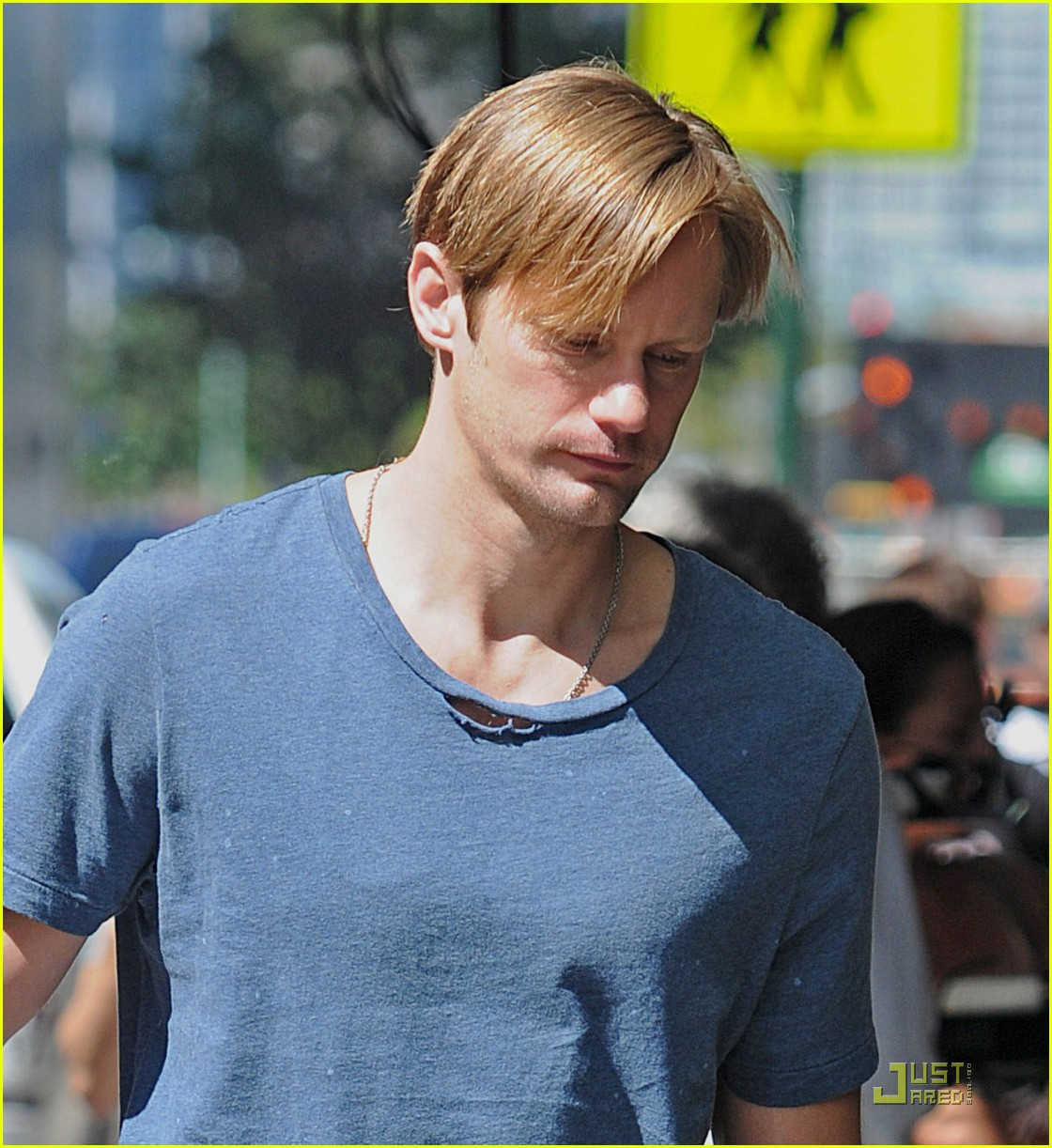 alexander skarsgard carries maisie young costar 042575081