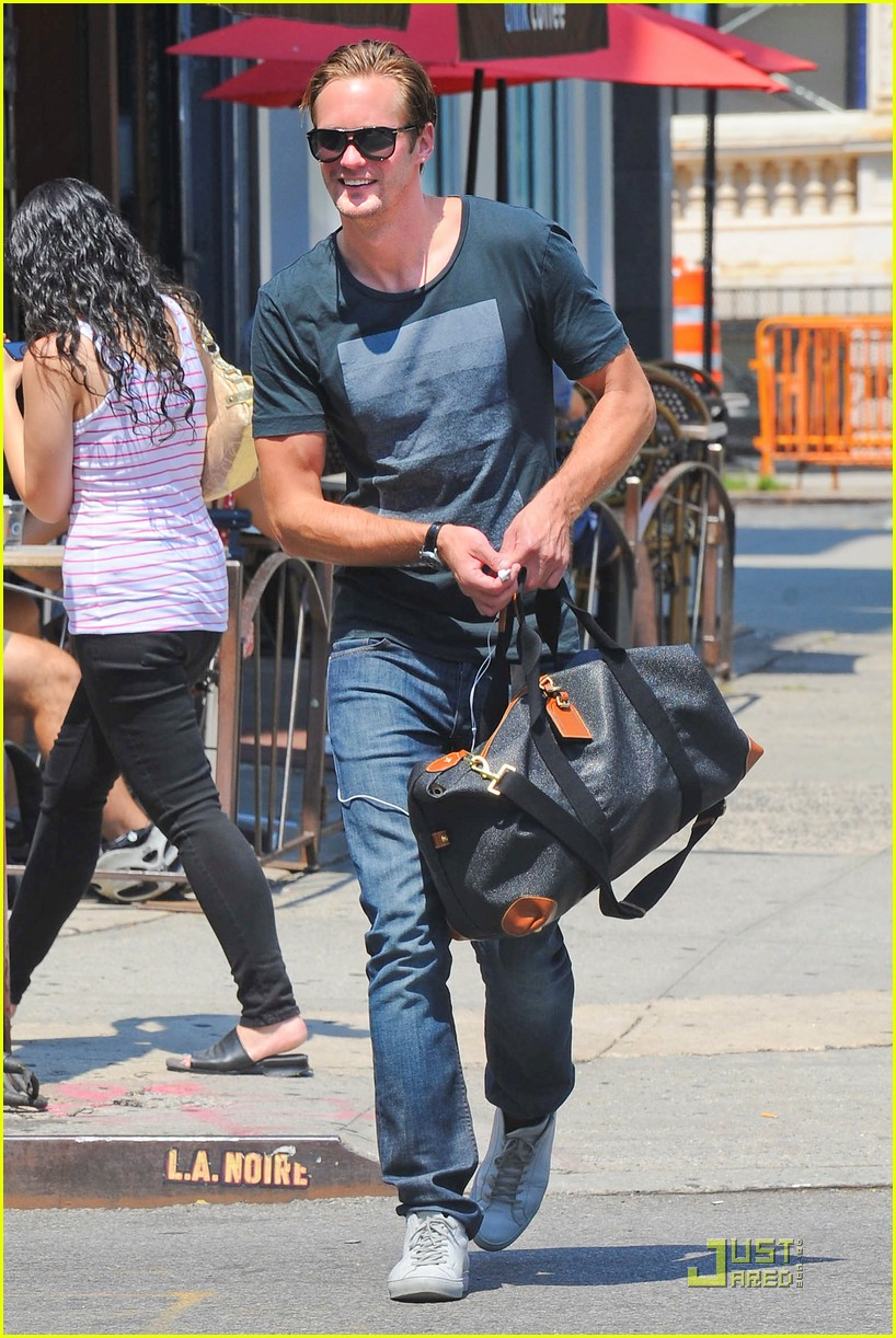 alexander skarsgard fan friendly nyc 012567117