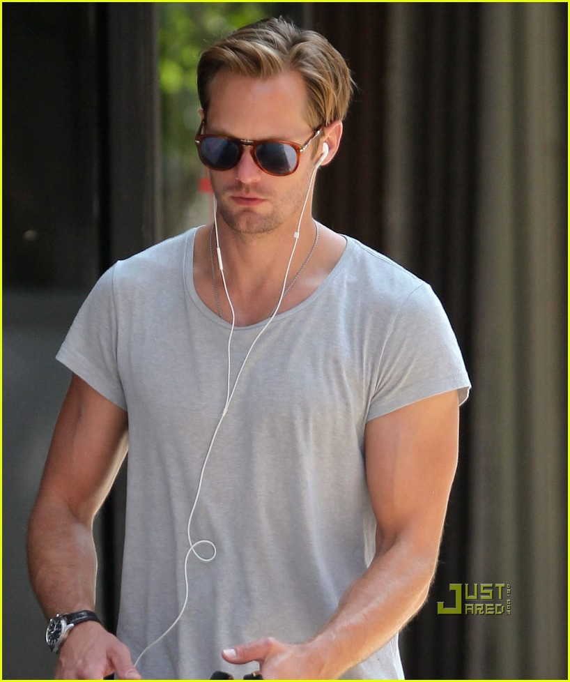 alexander skarsgard grey shirt new york 022568266