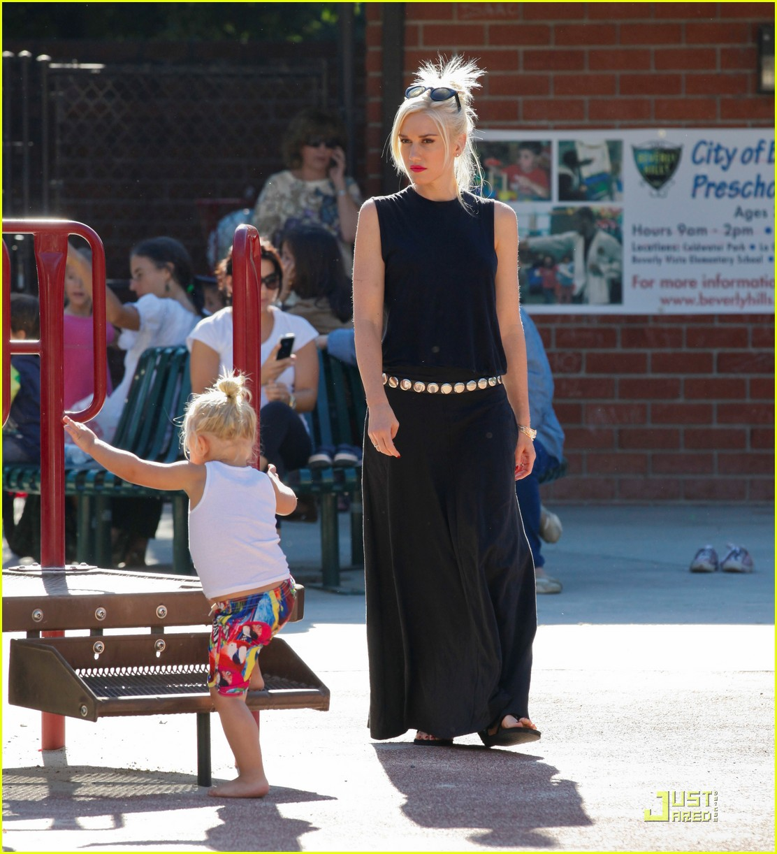 gwen stefani park playtime with zuma 162567016