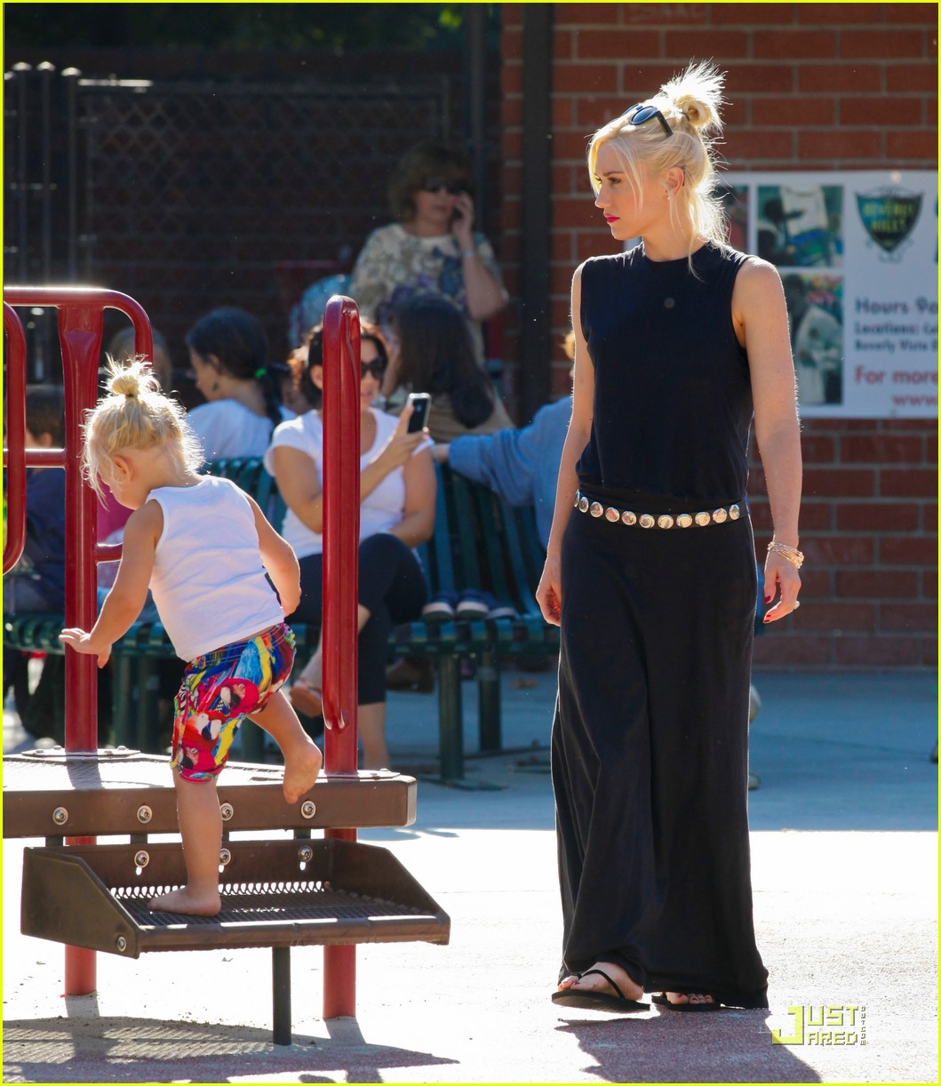 gwen stefani park playtime with zuma 172567017