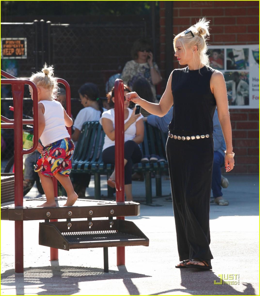 gwen stefani park playtime with zuma 182567018